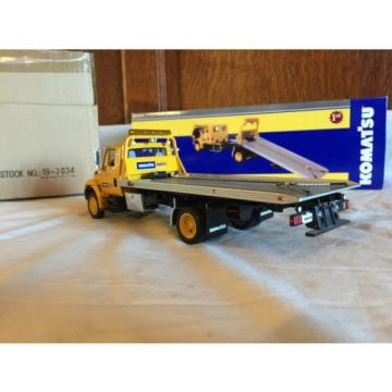 First France  Gear 1:34 International Truck Slide Back Komatsu Equipment