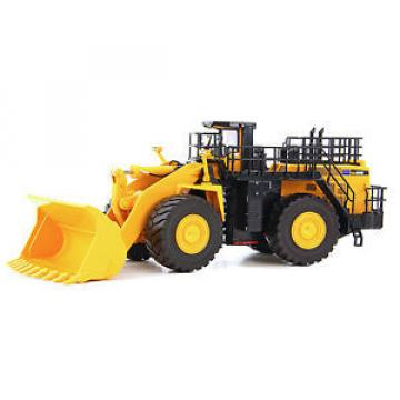 First Netheriands  Gear Komatsu WA900-3 Wheel Loader Diecast 1/50 MIB