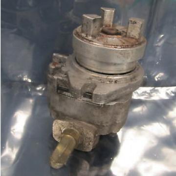 VICKERS Suriname JOHN S BARNES 736050-R HYDRAULIC PUMP