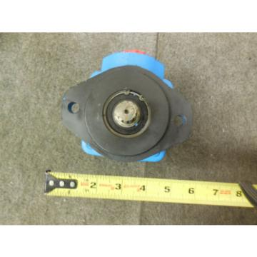Origin Vietnam  VICKERS POWER STEERING PUMP # 8164882 VOLVO TRUCKS