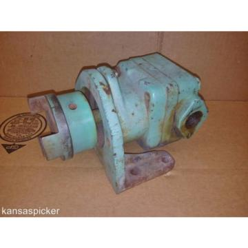 Sperry Costa Rica  Vickers Hydraulic Vane Pump 2 Bolt Flange With Mounting Bracket