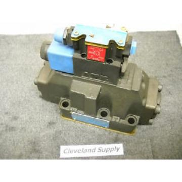 VICKERS France  02-135949 HYDRAULIC SOLENOID VALVE ASSEMBLY Origin
