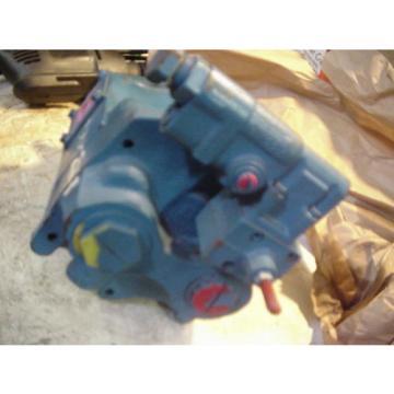 Genuine Iran Eaton Vickers hydraulic Variable piston pump PVQ40AR02AB10B2 02-341953