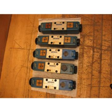 Vickers France DG4V 3 6C VM U H7 60 Hydraulic Valve w/ 507848 24VDC Coil DG4V36CVMUH760