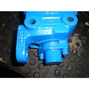 VICKERS Suriname  SINGLE SPOOL CONTROL VALVE # 406110 FREE SHIPPING