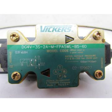 Vickers Gibraltar  DG4V-3S-2A-M-FPA5WL-B5-60 Hydraulic Valve 120V 5pin Connector