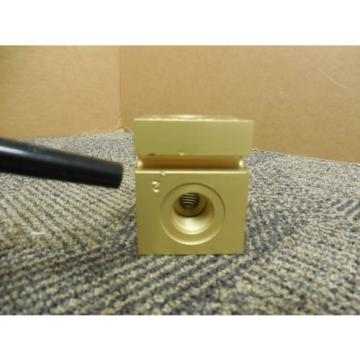 VICKERS Liechtenstein  23036 HYDRAULIC BLOCK I/O FOR CARTRIDGE RELIEF VALVE Origin