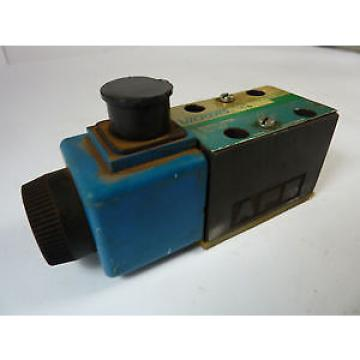 Vickers France DG4V-3S-2A-M-U-B5-60 Directional Valve   USED
