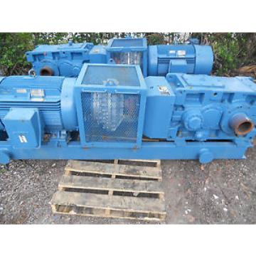 LARGE 200 HP MOTOR , VOIGT FLUID COUPLING AND SUMITOMO GEAR REDUCER PKG