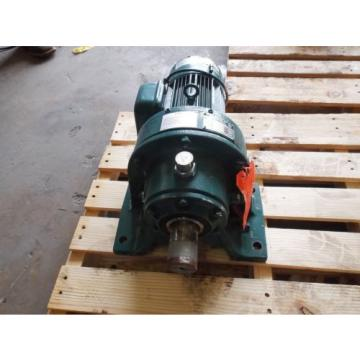 SUMITOMO SM-CYCLO CHHMS14130YC-B GEARMOTOR, RATIO 55, 1 HP, 1750 RPM USED