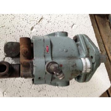 Vickers Guinea  Sperry Pump PVB15-FLSY-30CM