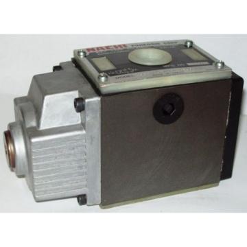 D05 Haiti 4 Way 4/2 Hydraulic Solenoid Valve i/w Vickers DG4S4-012B-WL-D 230 VAC