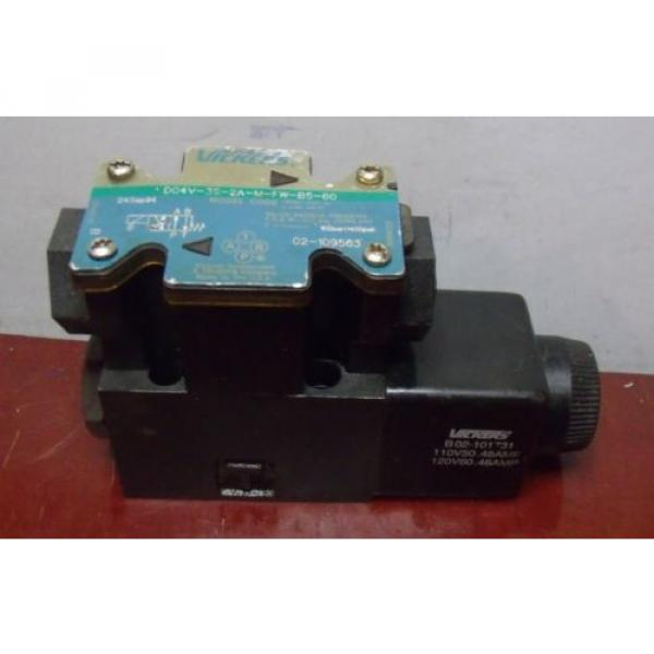 Vickers Luxembourg Hydraulic Directional Valve DG4V-3S-2A-M-FW-B5-60 #1 image