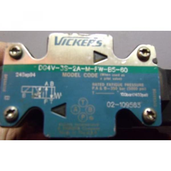 Vickers Luxembourg Hydraulic Directional Valve DG4V-3S-2A-M-FW-B5-60 #2 image