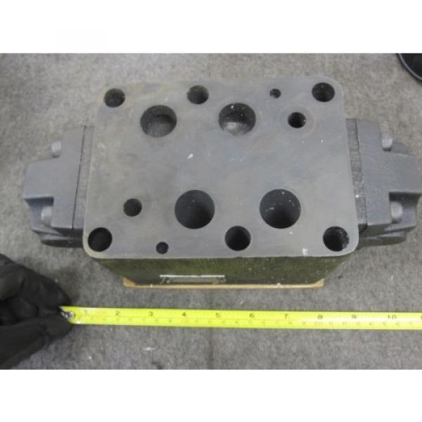 origin Hongkong Vickers Hydraulic Pilot Operated Check Valve # DGPC-06-DB-51 #2 image