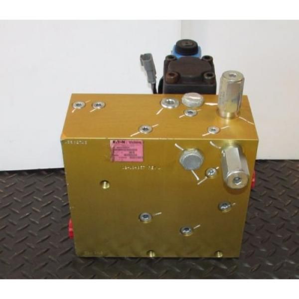Eaton/Vickers Reunion  Hydraulic Valve Actuator/Manifold 630AA00662A #8 image