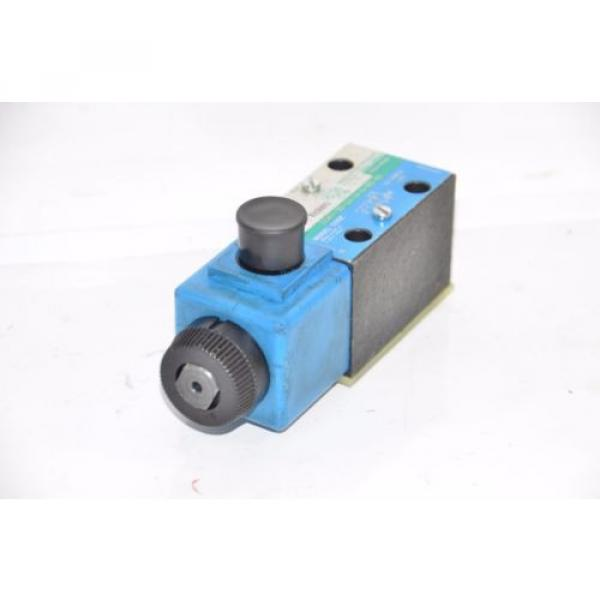 Vickers Brazil  DG4V-3S-2A-M-U-B5-60 Hydraulic Directional Valve 02-109632 02-101726 #3 image