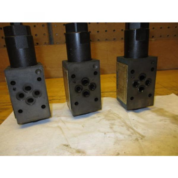 Vickers France DGMX2-3-PP-CW-20-B Hydraulic Valve LOT OF 3 SystemStak Pressure Reducing #6 image