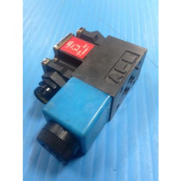 USED Gambia  VICKERS DG4V-3S-2A-M-FPA3WL-B5-60 SOLENOID DIRECTIONAL VALVE G2 #6 image