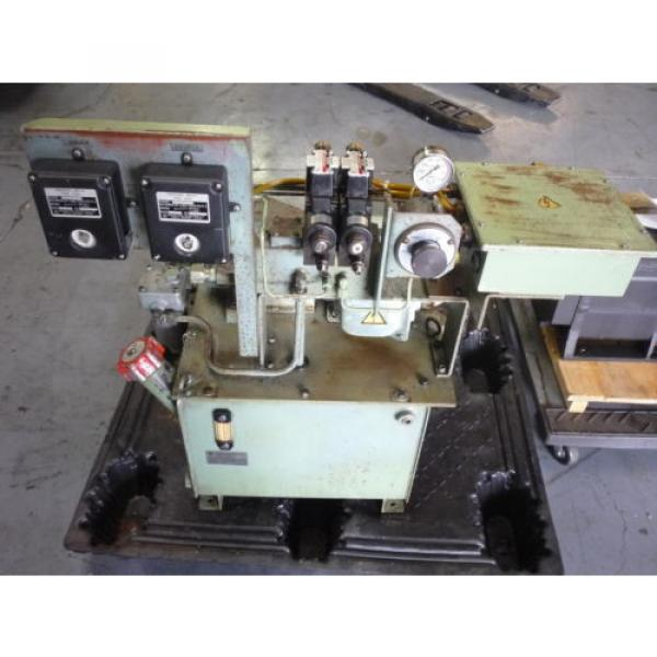 SHOWA Romania  VDRU-1A-40BHX 212 Hydraulic Power Unit NACHI VDR-1A-1A2-21 Pump OKUMA LB15 #1 image