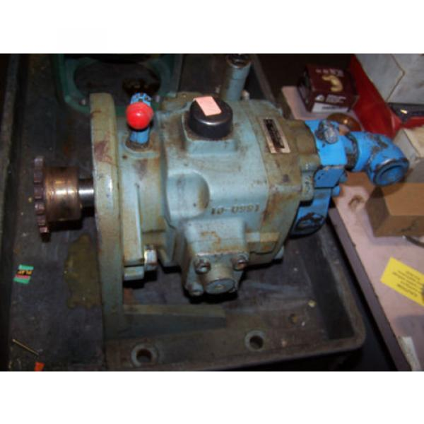 Nachi Saudi Arabia  Variable Vane Hydraulic Pump Model VDC-3B-1A3-E20 #1 image