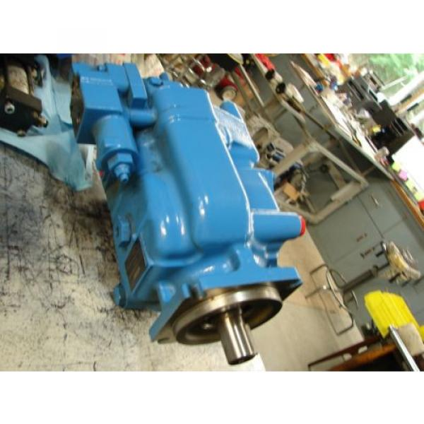 VICKERS Bahamas  PVH074 VARIABLE DISPLACMENT PUMP PVH074R01AA10H002000AB010A #2 image