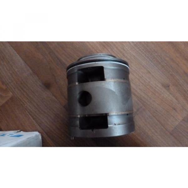 Eaton Honduras Vickers 02-465633, C Kit 35VMQ-125 BUNA32ND, Pump Cartridge Kit, NOS #3 image