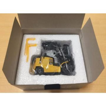 1/24 Cuba  Komatsu FE Series FE25-1 Forklift Truck Pull-Back Car not sold in stores