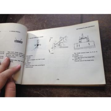 OEM France KOMATSU D68E, P-1A Bulldozer Operation & Maintenance Manual Book AUC