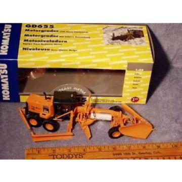 Komatsu Hongkong  GD655 DOT Grader w/Snow Plow & Wing First Gear 1/50 NIB