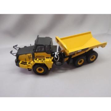New! Azerbaijan  Komatsu dump truck HM250 1/50 DieCast Universal Hobbies  f/s from Japan