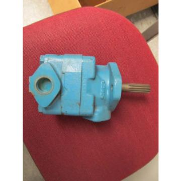 VICKERS Samoa Western  VANE PUMP V20 1P13P 11B 11L NOS 11 spline shaft