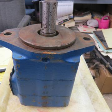 2 France  - Hydraulic pumps, Metaris MH5V30A-1C-21 amp; Vickers