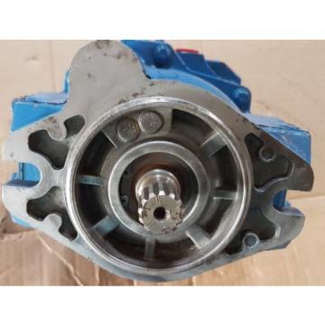 origin Niger Eaton Vickers Hydraulic Pump PVE19AR05AB10B16240001001AGCDF / 02-341636