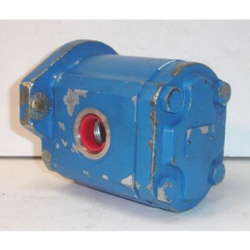 origin Oman  Old Stock Vickers? Hydraulic Vane Pump 2201 998597, Bobcat? Skid Steer?