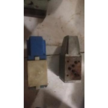 Sperry Slovenia  Vickers Hydraulic Directional Valve