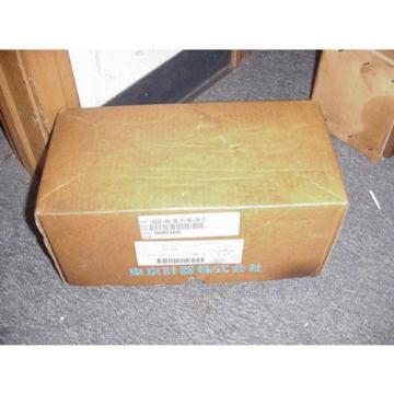 VICKERS SolomonIs TOKIMEC HYDRAULIC VALVE DG3V H8 2B T 10 JA Z Origin IN BOX 48263092