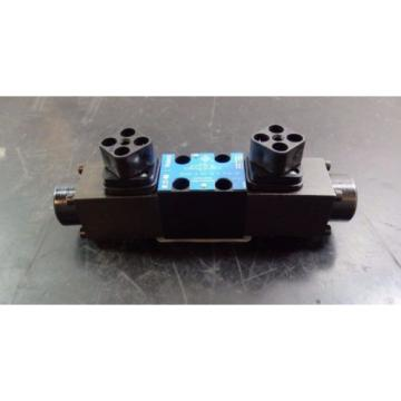 Eaton Mauritius  Vickers Reversible Hydraulic Directional Control Valve 02-157144 |5683eKQ2