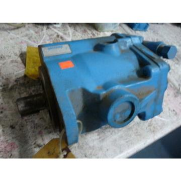 Vickers Gambia  PVB20RS20C11 Hydraulic Axial Pump  USED