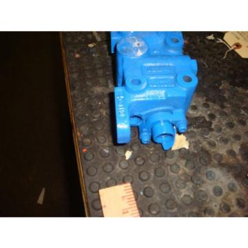 VICKERS Denmark  SINGLE SPOOL CONTROL VALVE # 406110 FREE SHIPPING