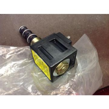 Vickers Niger  hydraulic valve solenoid coil 120 VAC 02-178114 Assembly Origin   $99
