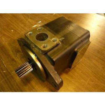 Vickers Botswana Hydraulic Motor 35V30A 11D22R Used #24287
