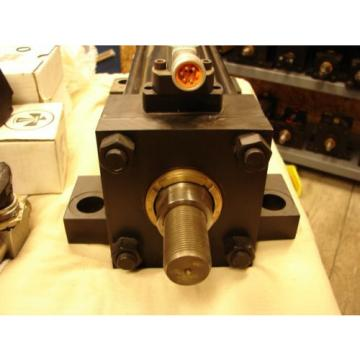 PARKER Egypt SERIES 2H 0400 CP2HLTS14A 1000 hydraulic cylinder RLA VICKERS REXROTH