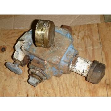 Sperry United States of America  Vickers Hydraulic Relief Valve Model C1 10 0 20, 1-1/2#034; Pipe Threaded