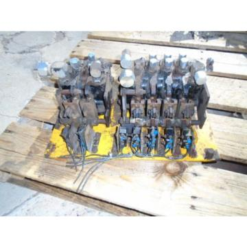 Vickers Ethiopia  2-Spool and 4-Spool Hydraulic Control Valves