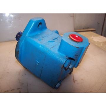 Origin Malta  VICKERS VANE HYDRAULIC PUMP V101P1P1A20  2500 PSI MAX 1#034; INLET 1/2#034; OUTLET