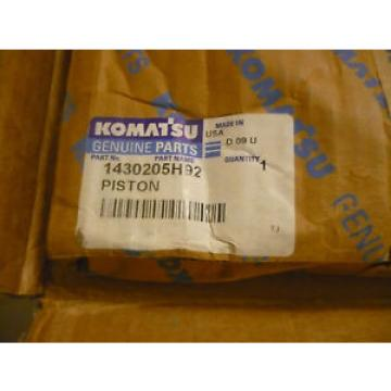 New Botswana  OEM Komatsu Piston 1430205H92 Open Packaging