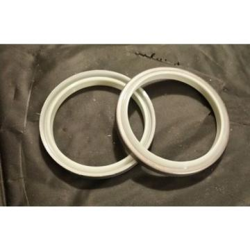 707-56-70540 Egypt  Dust Seal Komatsu New 7075670540 PC200LC-8 Set of 2