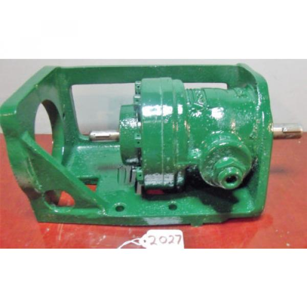 Vickers Netheriands Hydraulic Pump with Bracket V 2113 G 10 LH #2 image