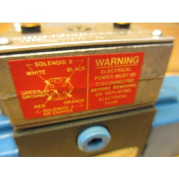 Vickers Netheriands PA5DG4 S4LW 012N H 61, Hydraulic Directional Pilot Valve Coils 24VDC #6 image